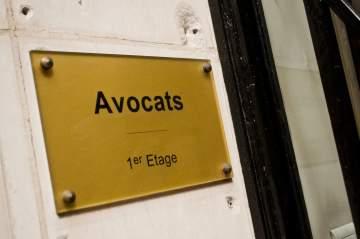 Gravure de plaque et signalétique à Toulouse